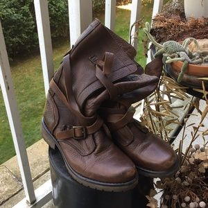 Steve madden brown leather boot size 8